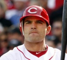 Reds' Votto Out 3-4 Weeks With Knee Surgery