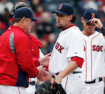 Red Sox Closer Joel Hanrahan Leaves Game With Injury