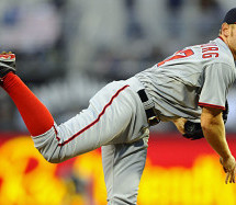 Stephen Strasburg Leaves Game Early with Injury
