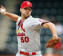 Adam Wainwright Outduels Matt Harvey for 10th Win