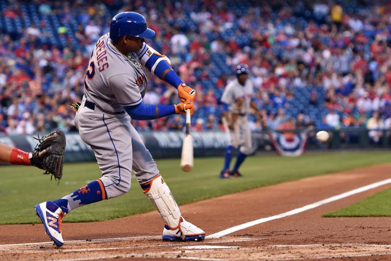 Yoenis Cespedes hits 3 HRs, Matt Harvey injured as Mets batter Phillies
