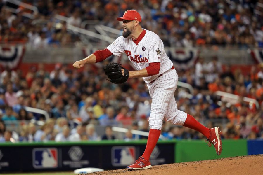 Rockies acquire relief pitcher Neshek